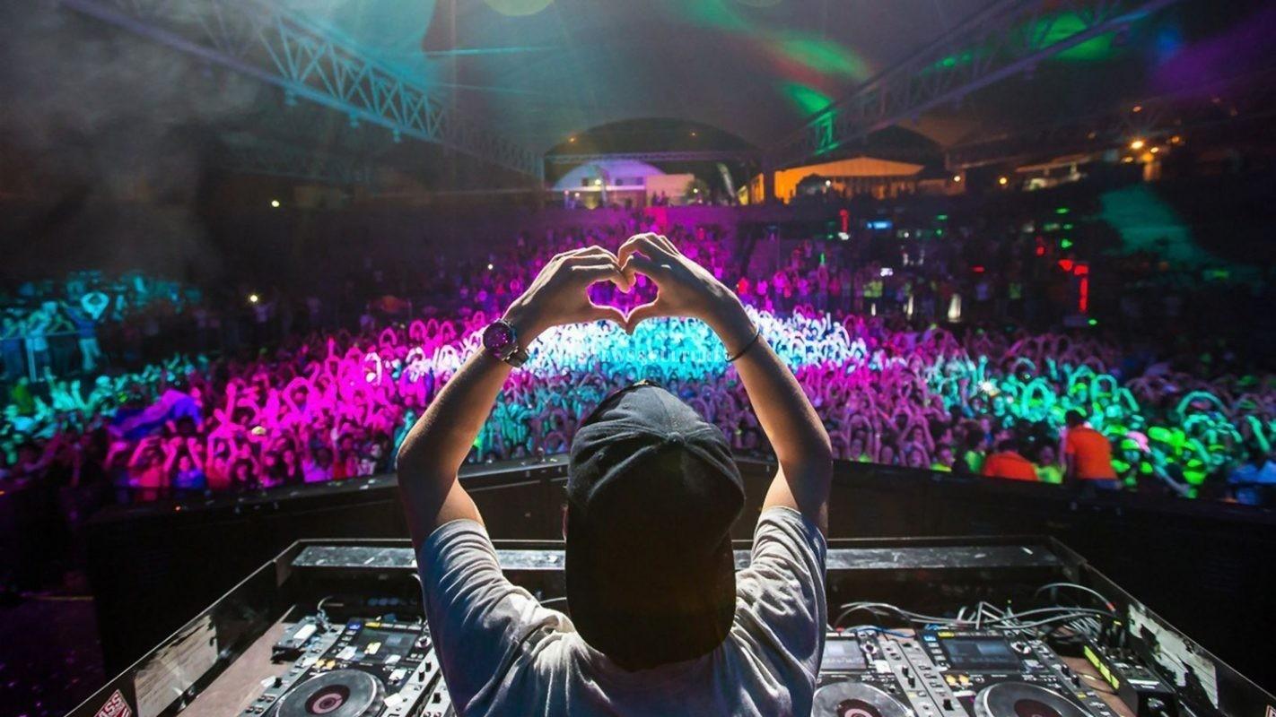 DJ And Musical Arrangements